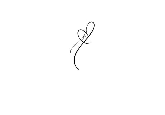Calligraphe invitation paris tatuaje letre r corazn tatuajes para mujeres - Tatouage poignet coeur ...